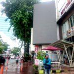 videotron depan hotel bekizar surabaya