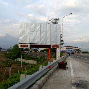 Billboard Exit Tol Pandaan4