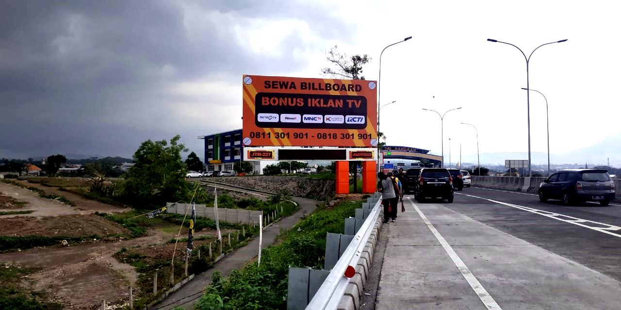 Billboard Exit Tol Pandaan